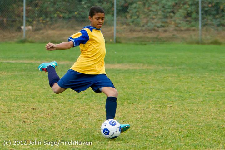7395_McM_Boys_Soccer_v_Casc-Chr_101012
