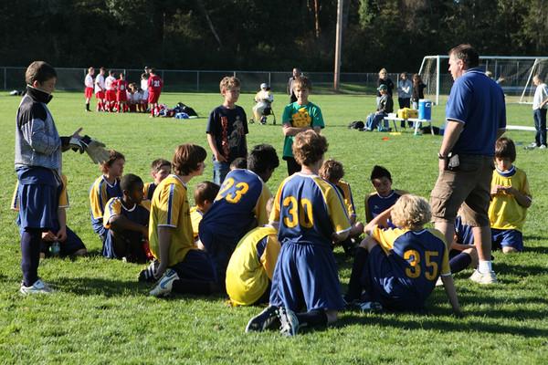 4569 McM Boys Soccer v Sea-Chr 092910
