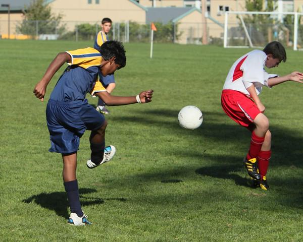 8596_McM_Boys_Soccer_v_Sea-Chr_092910