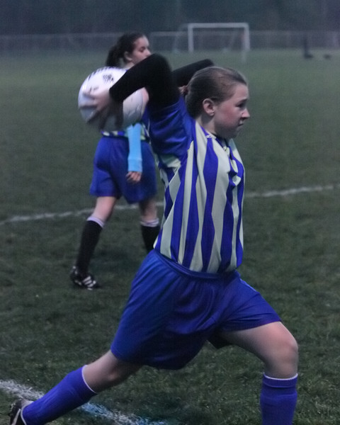 4150_McM_Girls_soccer_v_Showalter_113009