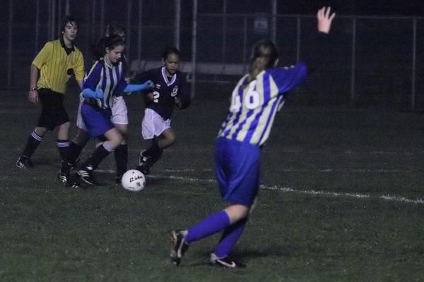4366_McM_Girls_soccer_v_Showalter_113009